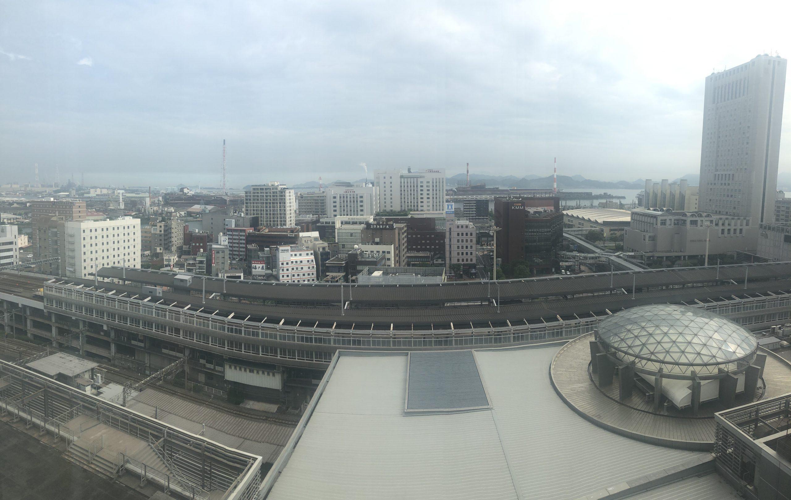 ホテルの窓から見える景色(朝)
