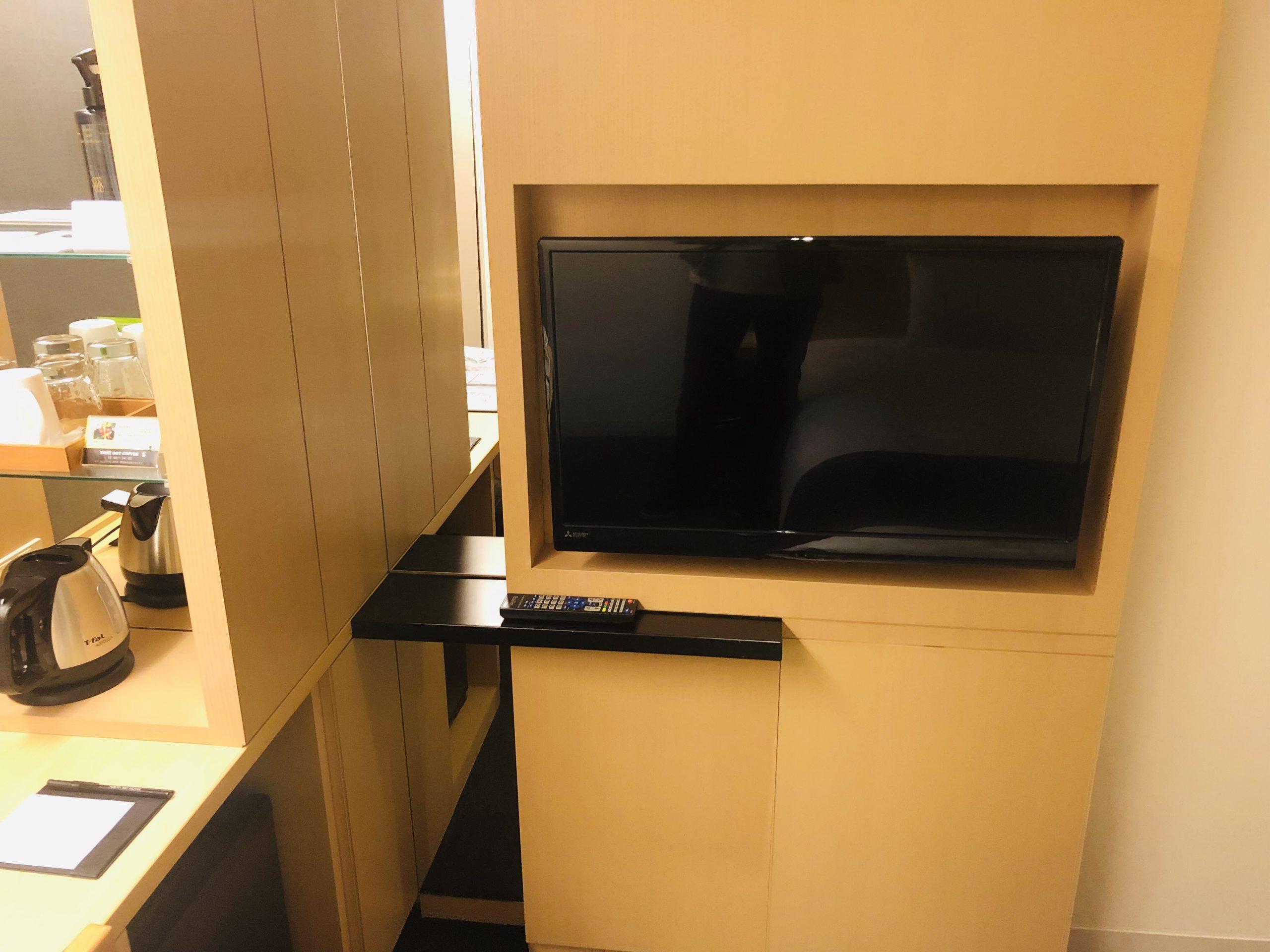 壁付のテレビ